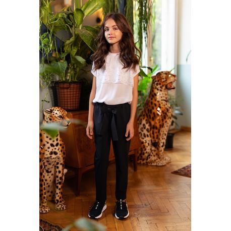 Bluzka biała szkolna dla dziewczynki z koronką 105/S/20, ubranka wizytowe dla dziewczynek, sklep e-zygzak.pl